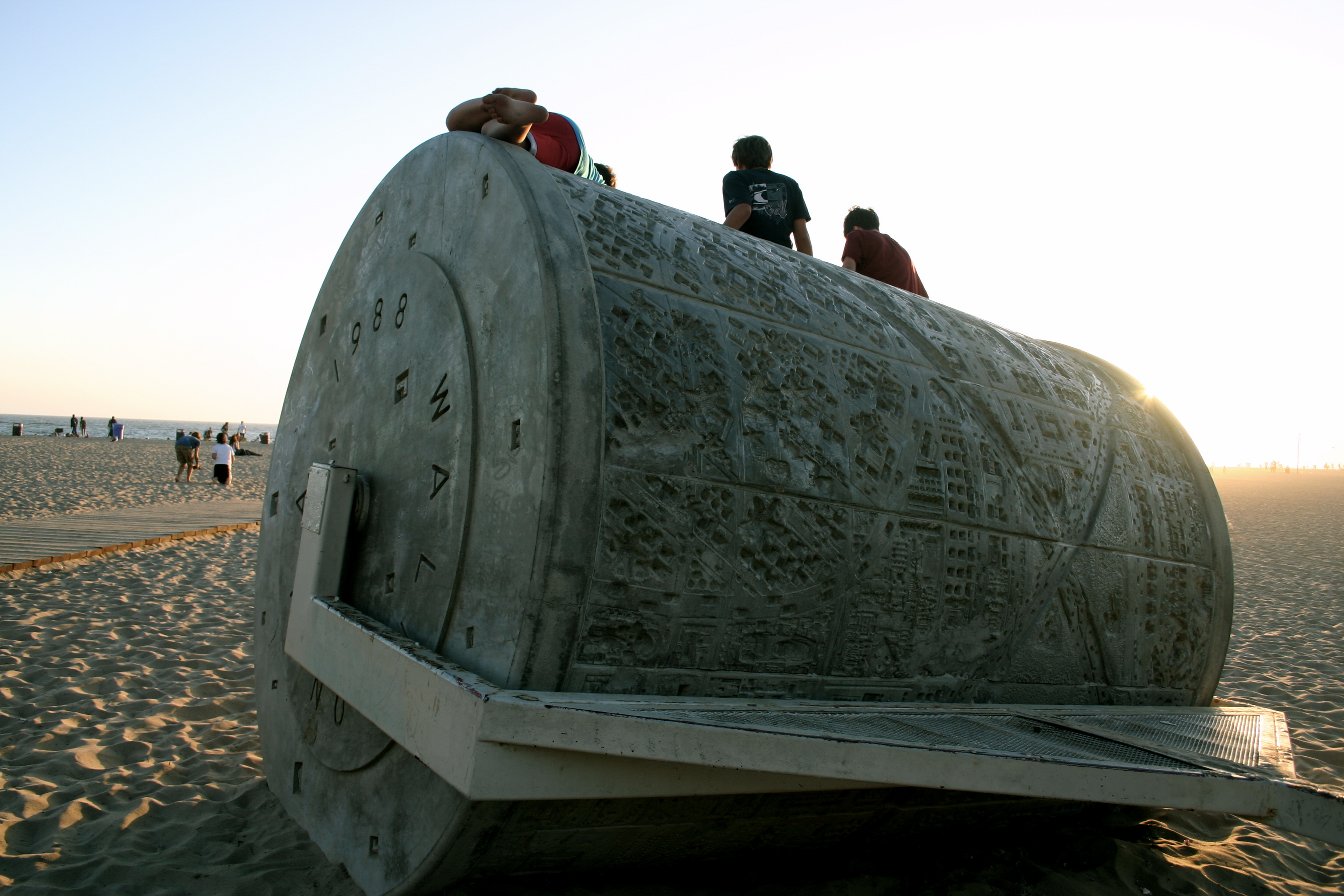 Santa Monica Beach: This thing rolls out a map of Santa Monica onto the sand