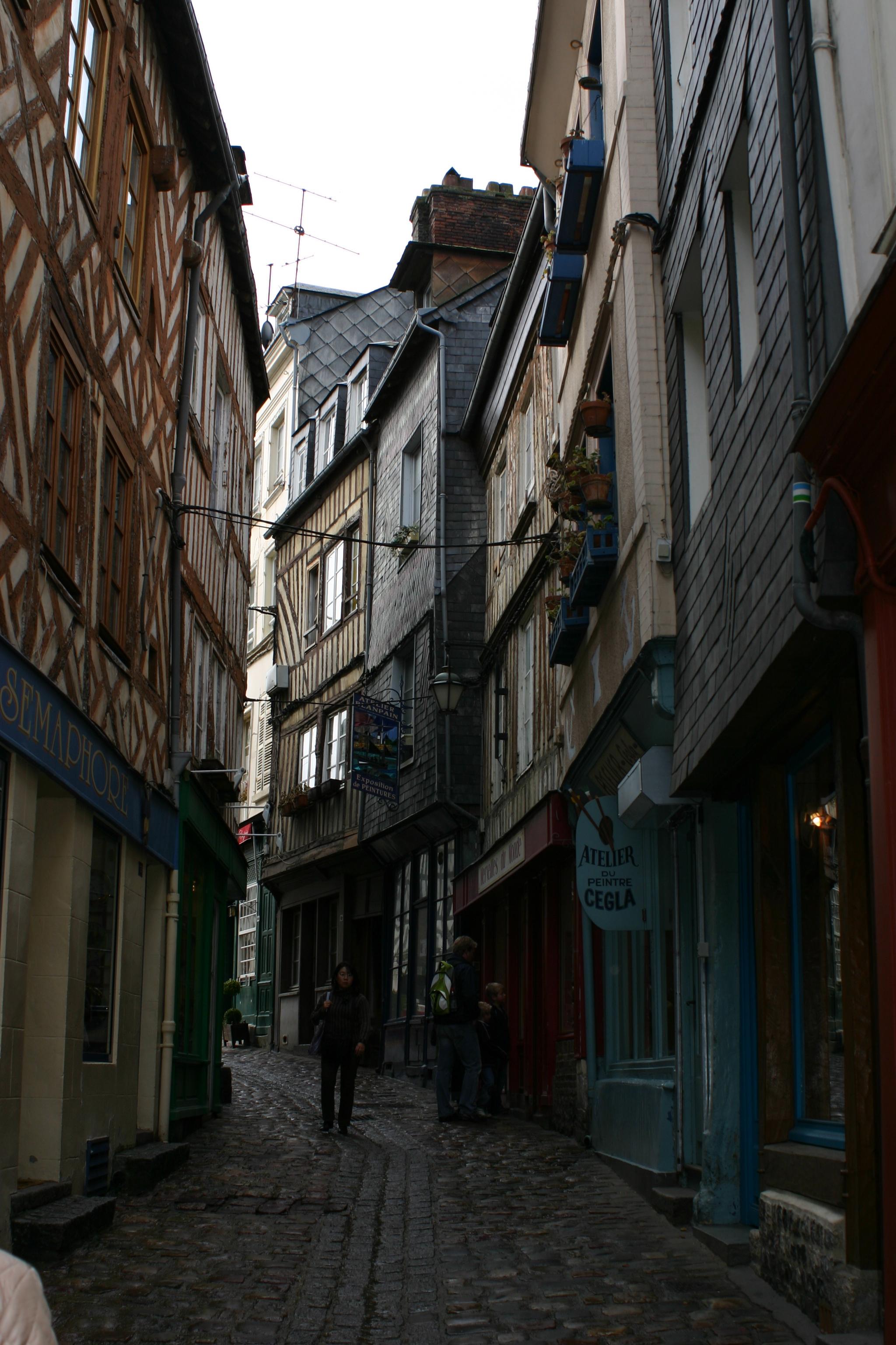 Walking Through the Streets of Hon Fleur.